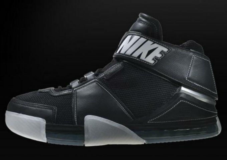 buy online 8a497 aa47b Nike LeBron 2 Prototype (2004)