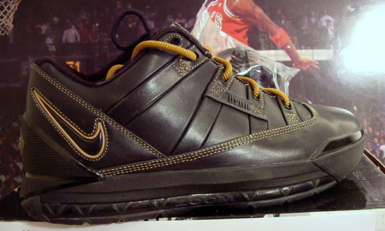 29fc93ba9857a Nike LeBron 3 Low Black Gold Sample (2006)