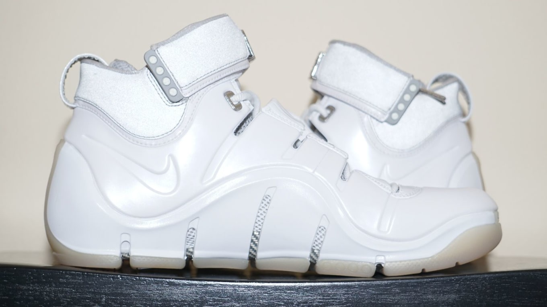 newest collection db50e 37d2e Nike LeBron 4