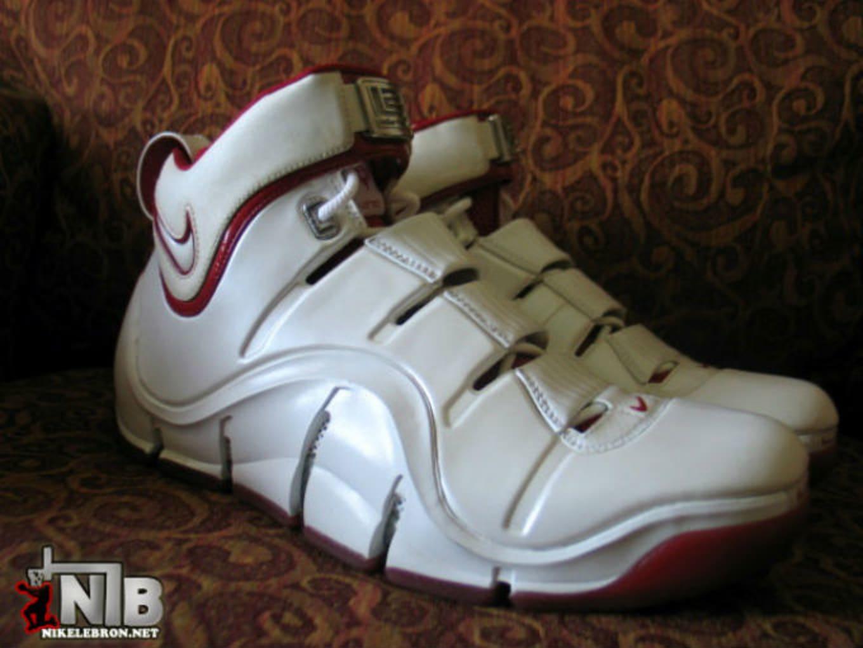 buy online 77bff 45f32 Nike LeBron 4 White Varsity Red Look-See Sample (2007)