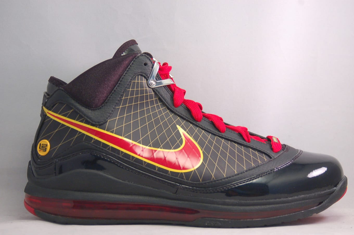 finest selection 4c2d7 ddb4d Nike LeBron 7