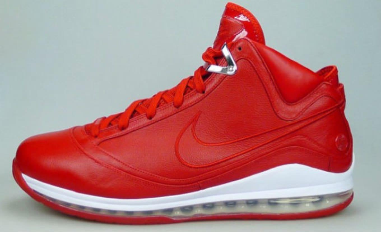 8fba9f19832 Nike LeBron 7 NFW