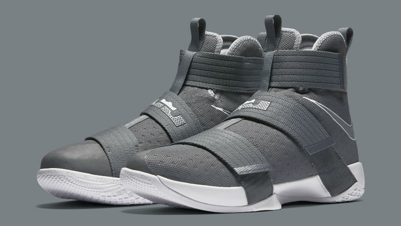 6439156bb24 Nike LeBron Soldier 10 Cool Grey (1)