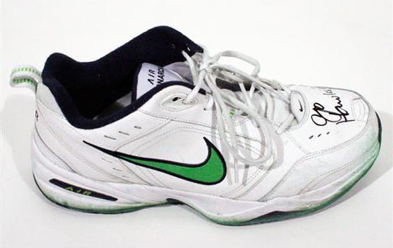 buy online b65d2 93409 Pete Carroll Nike Monarch