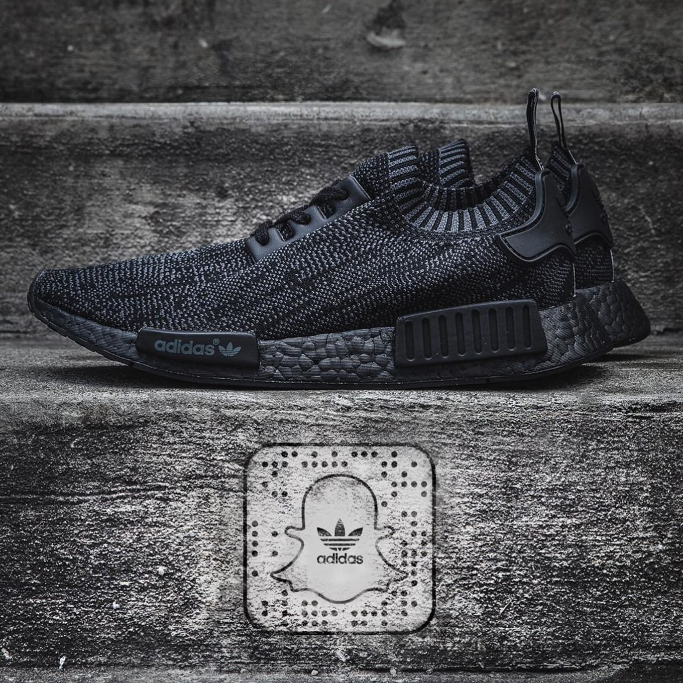 b5135d9ad Pitch Black adidas NMD