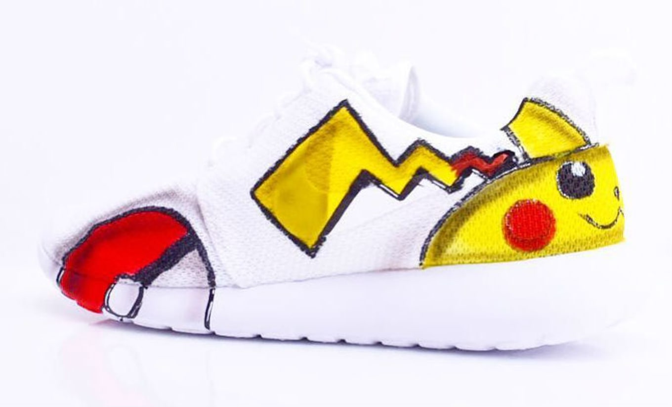 eab5f224956 Pokemon Nike Roshe Run Custom (1)