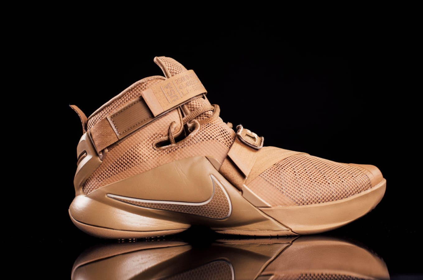 reputable site 388f5 cdc07 Nike LeBron Soldier 9