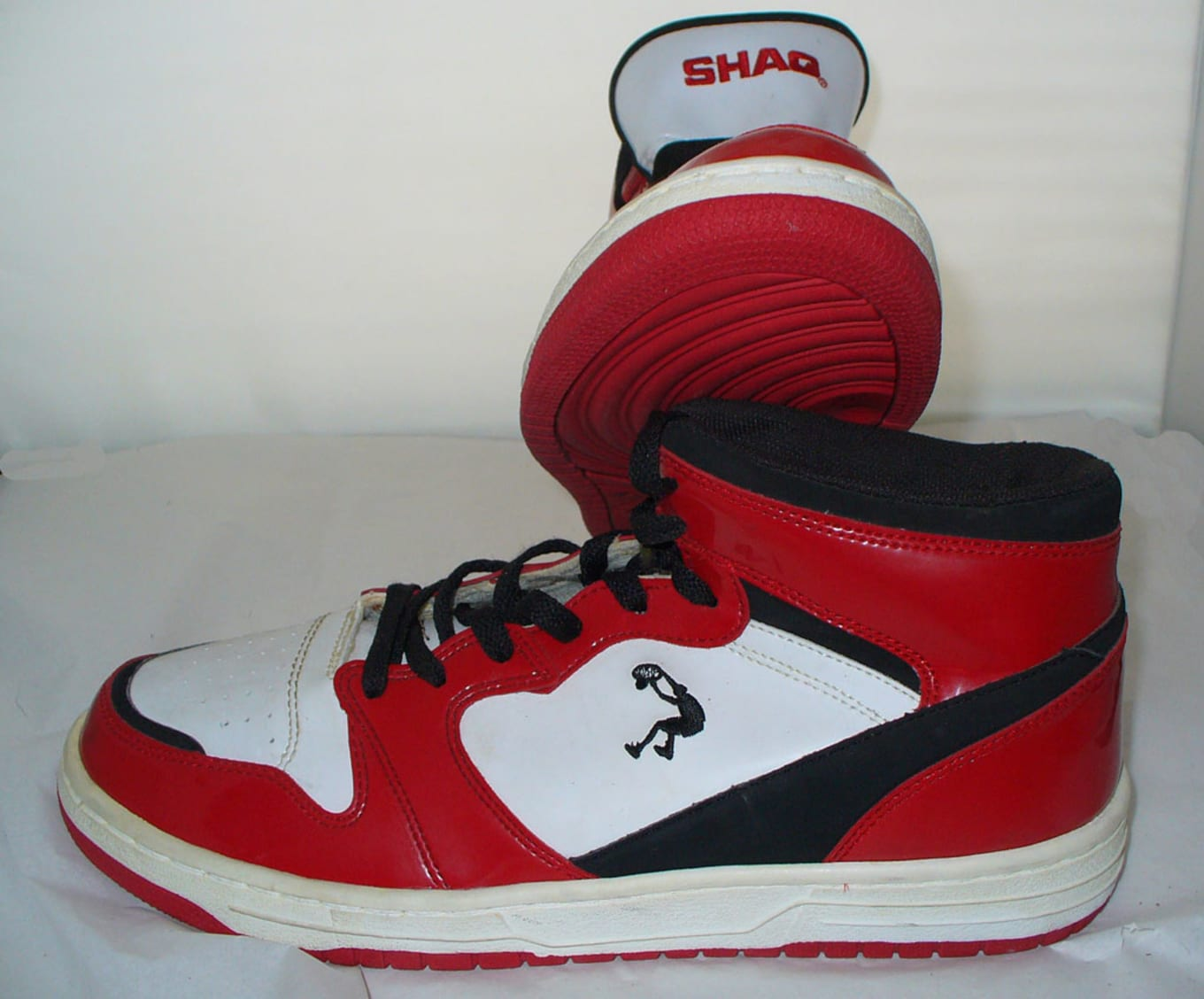 Sustancial Miniatura Labe  Most Flagrant Shaq Sneaker Knockoffs | Sole Collector