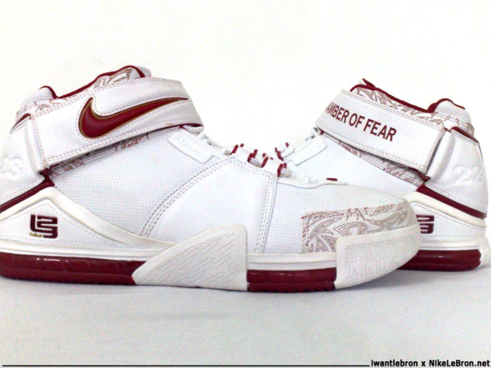 6c1e174cd607 Nike LeBron 10