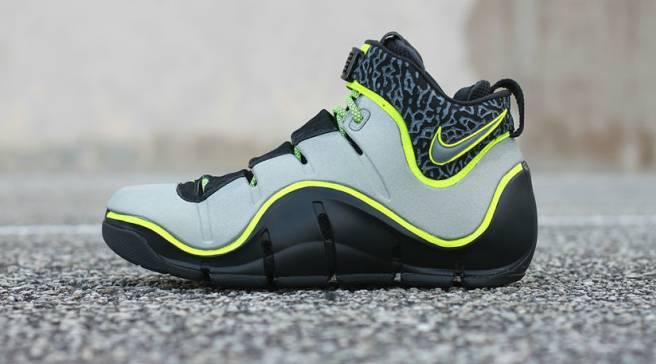 0bf9121d279 Nike LeBron 4