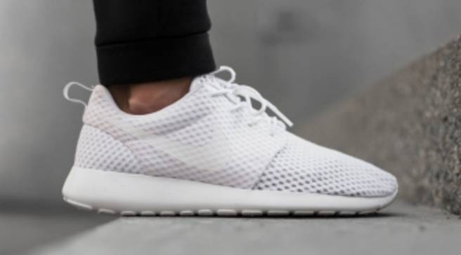 d01af4072fd61 The Nike Roshe Run Breeze Keeps Your Feet Cool in More Ways Than One