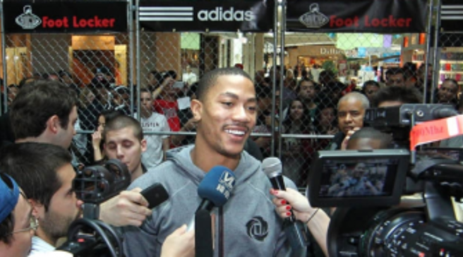 Photos    adidas   Derrick Rose Stop by Foot Locker at Florida Mall 8e3f58442bad