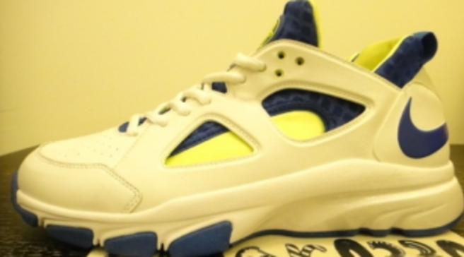 b4c9b4aebfb7e Nike Zoom Huarache Trainer Low – White Royal Volt