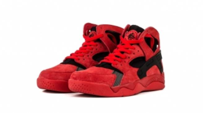 e8f112714c37 The  Love Hate  Theme Returns to the Nike Air Flight Huarache