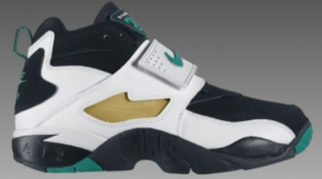 dca723f4a8 Available: Nike Air Diamond Turf - Black/Emerald-White-Gold
