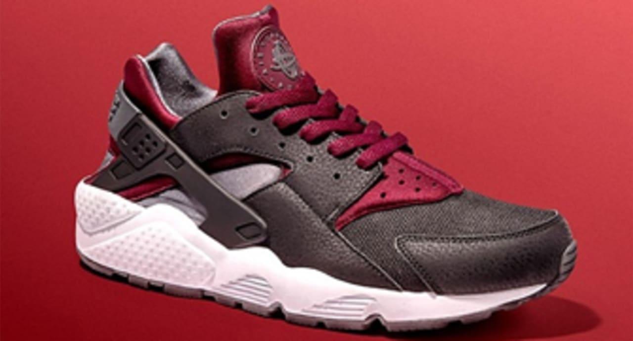 Nike Air Huarache Black/Team Red | Sole Collector