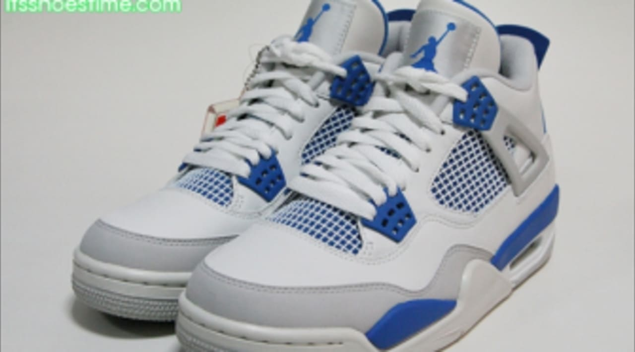 Air Jordan 4 Retro - Military Blue