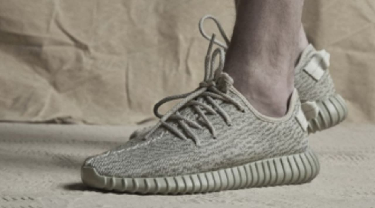 factor años marco  5 Things You Need to Know About the adidas Yeezy 350 Boost 'Moonrock'  Release | Sole Collector