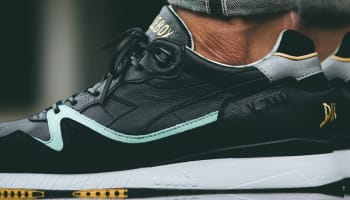 Solebox x Diadora V7000 Black