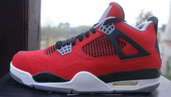Air Jordan 4 Retro Toro Bravo Fire Red