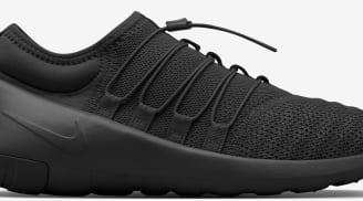 5246ac54e328 Nike Payaa Black