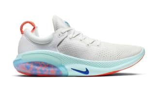 Nike Joyride Run Flyknit White/Platinum Tint/Bright Mango/Racer Blue