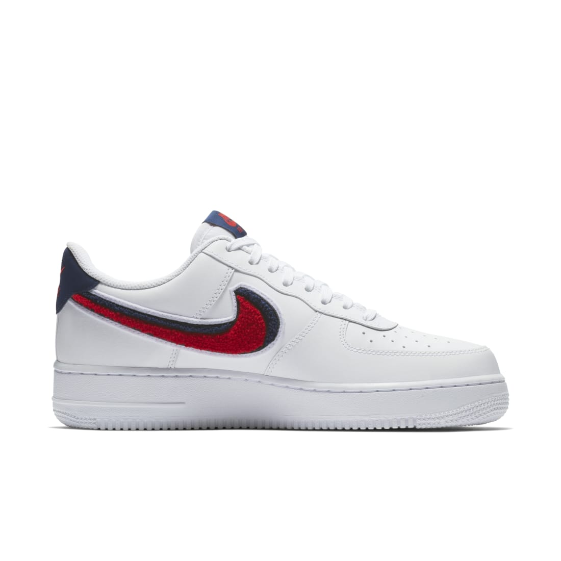 soborno escarcha temerario  Nike Air Force 1 Low 3D Chenille Swoosh White Red Blue | Nike | Sole  Collector