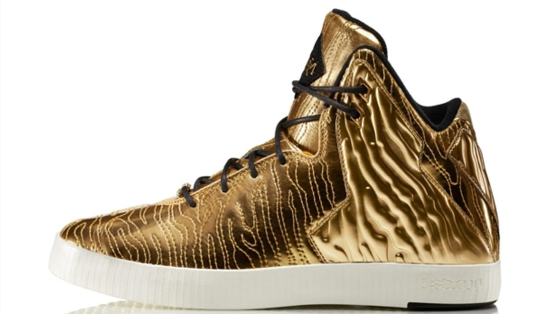 Nike LeBron XI NSW Lifestyle BHM Metallic Gold/Metallic Gold-Black