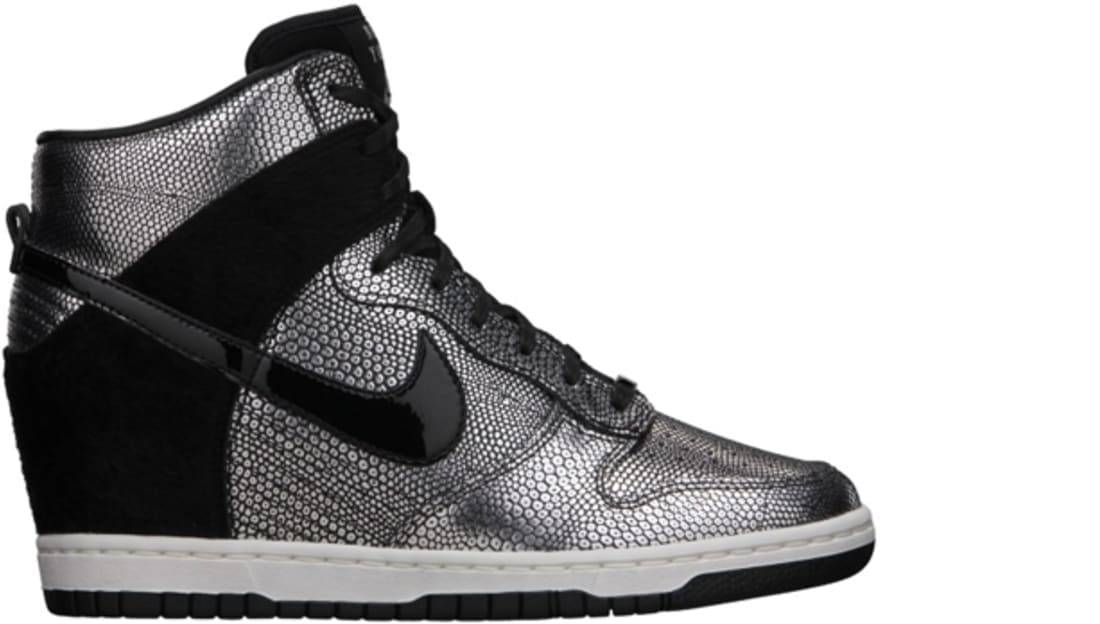 womwns nike sky high dunks