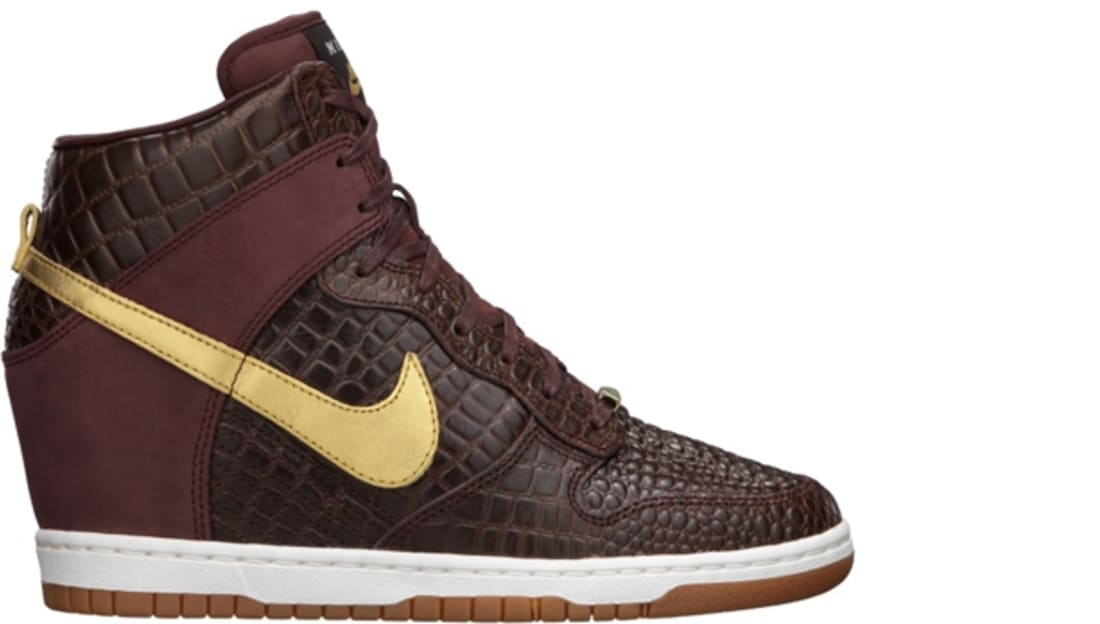 buy popular 489e4 a5333 Nike · Nike Sportswear · Nike Dunk. Nike Dunk Sky Hi ...