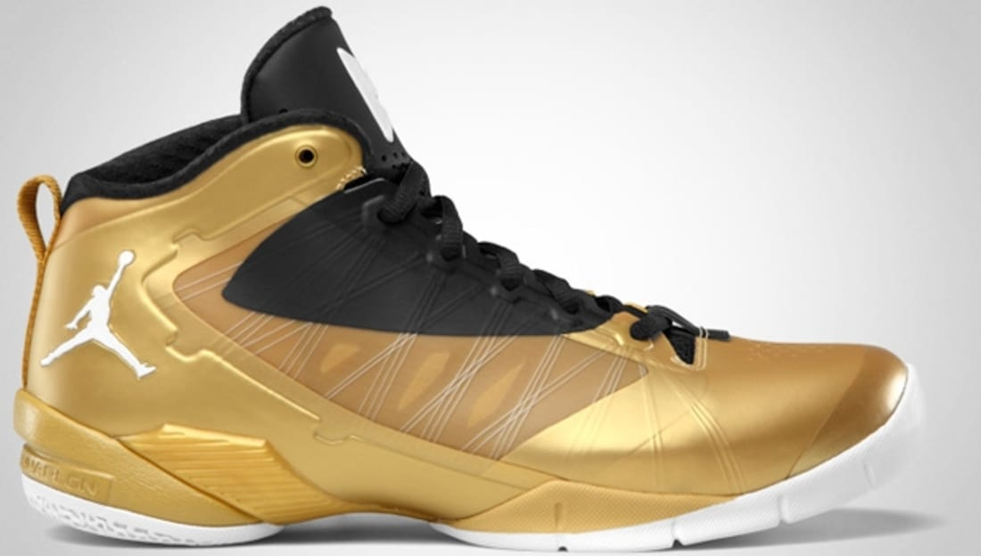 Jordan Fly Wade II EV Metallic Gold Coin/Black-White