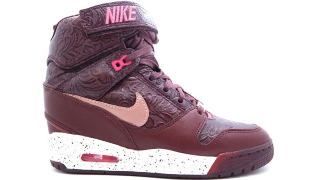 the best attitude 70b51 f9dec Nike Air Revolution Sky Hi Women's FW QS Barkroot Brown/Metallic Red Bronze- White