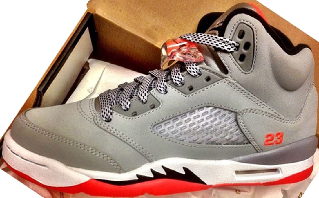 separation shoes 0b351 02396 Air Jordan 5 Retro Girls Wolf Grey Black-Hot Lava-White