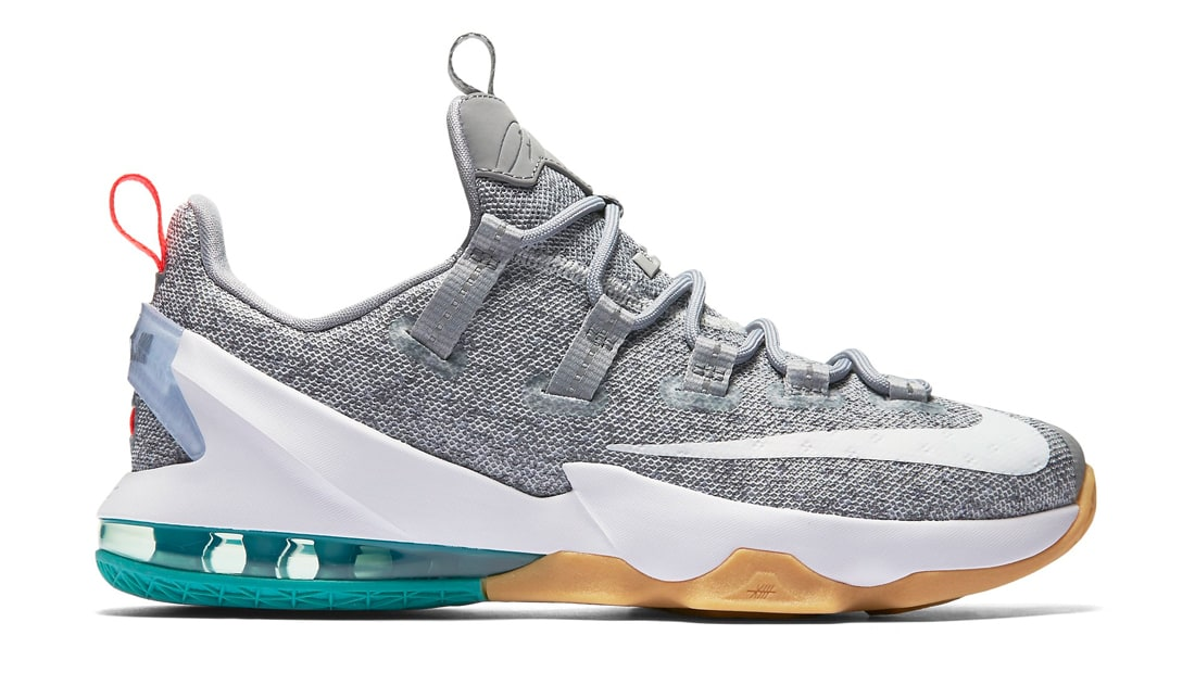 online store 60744 a4e47 Nike LeBron 13 Low