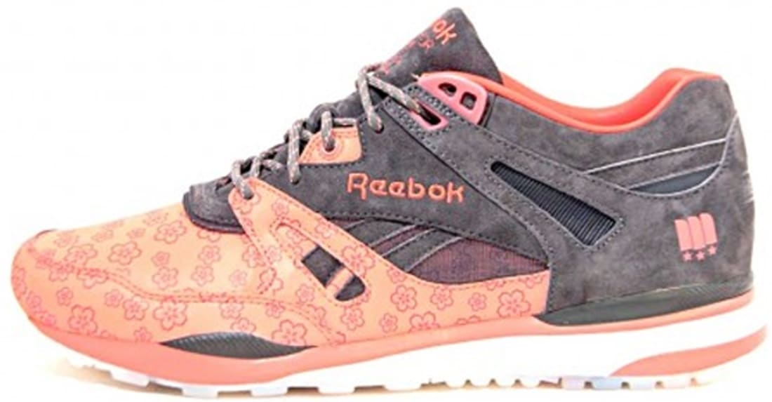 0a4e95e89d51ab ... vintage chalk paper wht athletic blue exc be888 48aff  discount code  for reebok ventilator cnt dark grey coral reebok sole collector aae3e 7223e