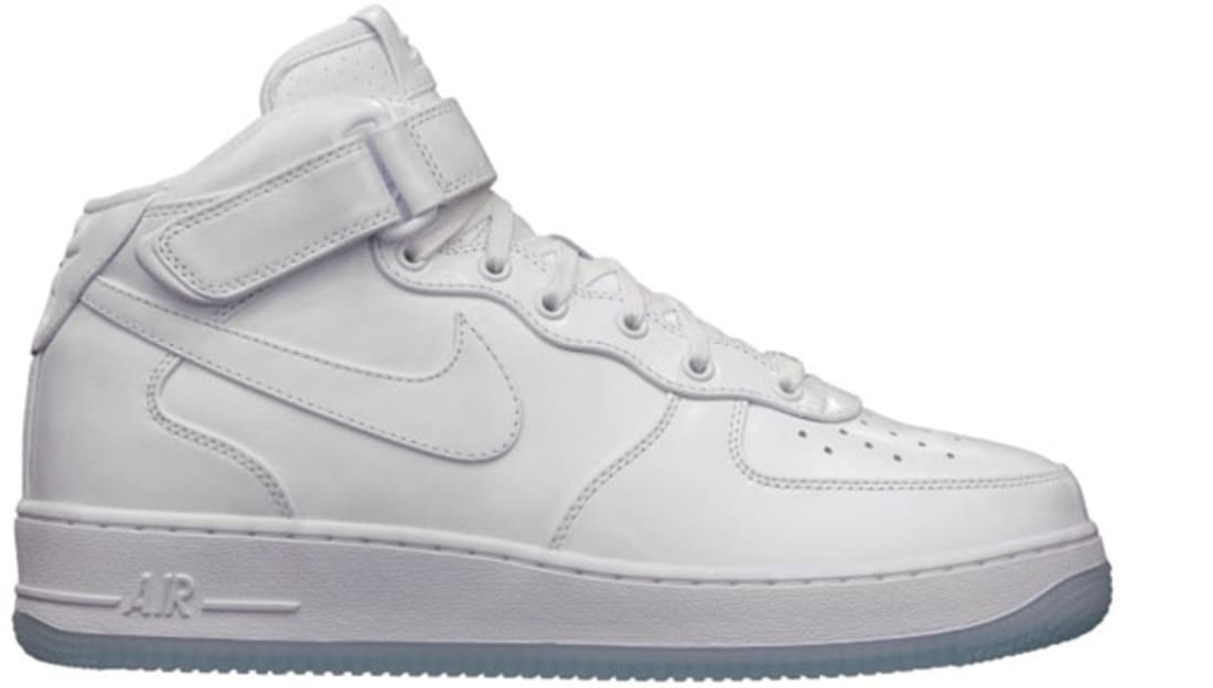 buy popular 43c76 9cc32 Nike Air Force 1 Mid CMFT Premium QS White White