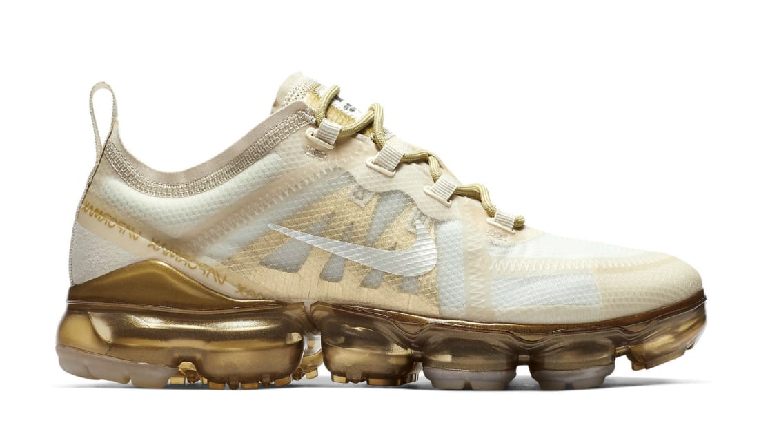Nike Women\u0027s Air VaporMax 2019 White/White,Metallic Gold