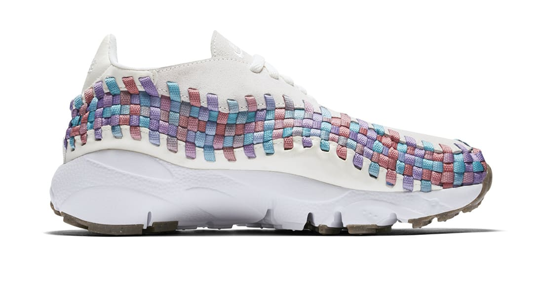 1d675d7f00b6 Nike · Nike Sportswear · Nike Air Footscape Motion. Women s Nike Air  Footscape Woven