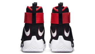 best service 19f72 ad9f2 Nike Zoom LeBron Soldier 10