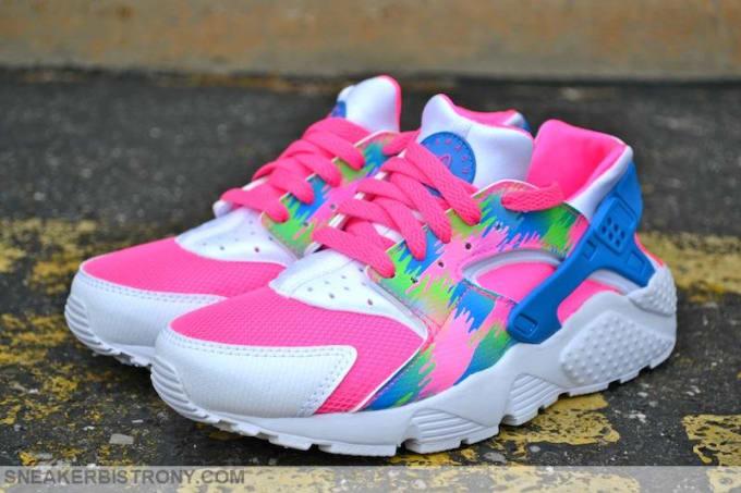 04905ffa545f coupon code for pink blast photo blue electric green white nike air huarache  96724 c88de