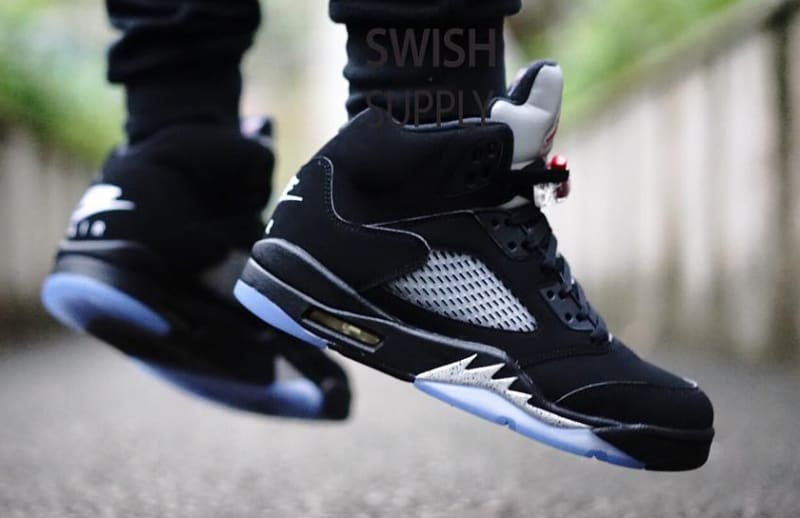 nike air jordan retro 5 black metallic on feet