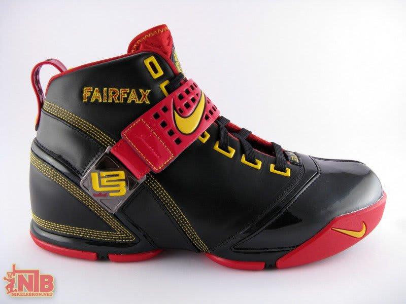 cheap for discount fc26b baaa1 ... Nike LeBron 5 ...