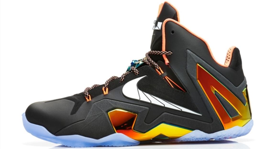 Nike LeBron 11 Elite Black/White-Metallic Gold-Bright Mango