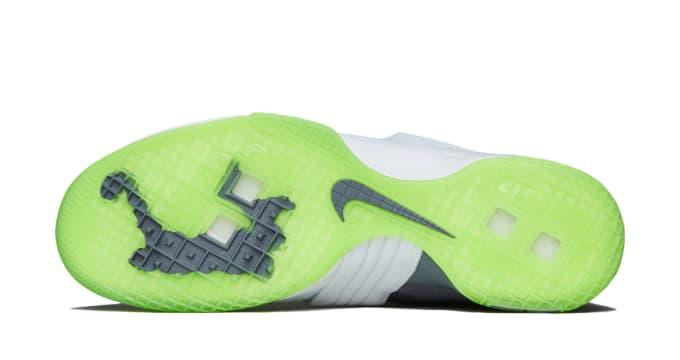 uk availability e68e3 112fa Nike Zoom LeBron Soldier 10
