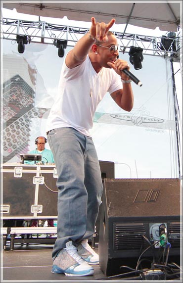 hot sale online d15ee b1a9b Ludacris wearing Air Jordan XX3 Titanium