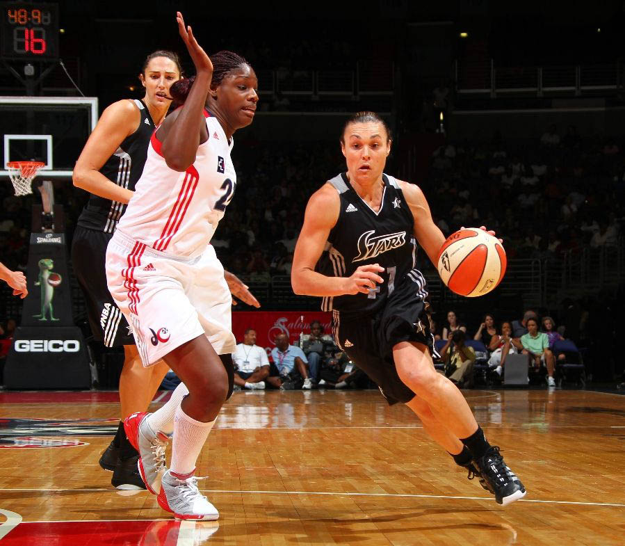 Nicky Anosike wearing adidas adiZero Rose 1.5 Light Onix