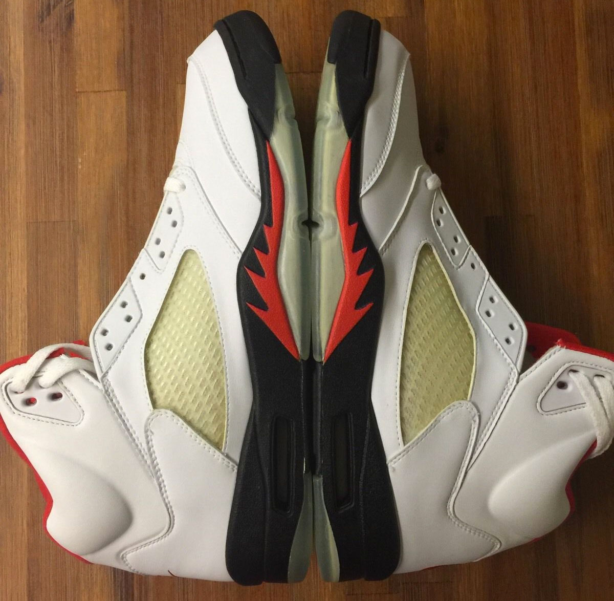 Air Jordan 5 Fire Red (1999)
