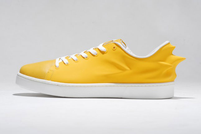 Look for these colorways of the PUMA by Hussein Chalayan Urban Mobility  Swift at select PUMA retailers this fall.