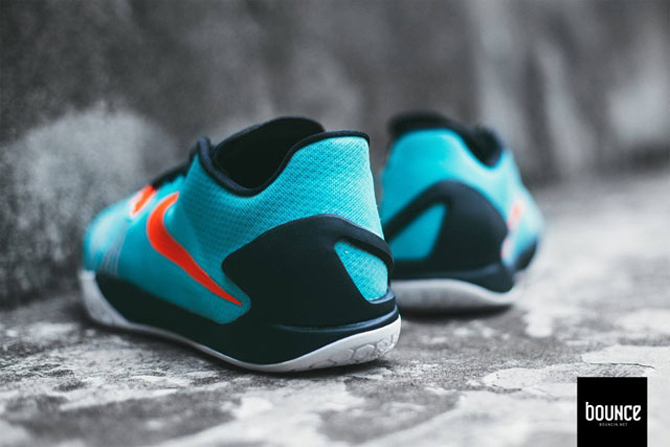 huge discount 36474 998d1 Nike Is Retroing the Hyperchase.