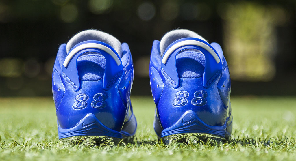 Dez Bryant's Air Jordan VI 6 Cowboys PE Cleats (2)